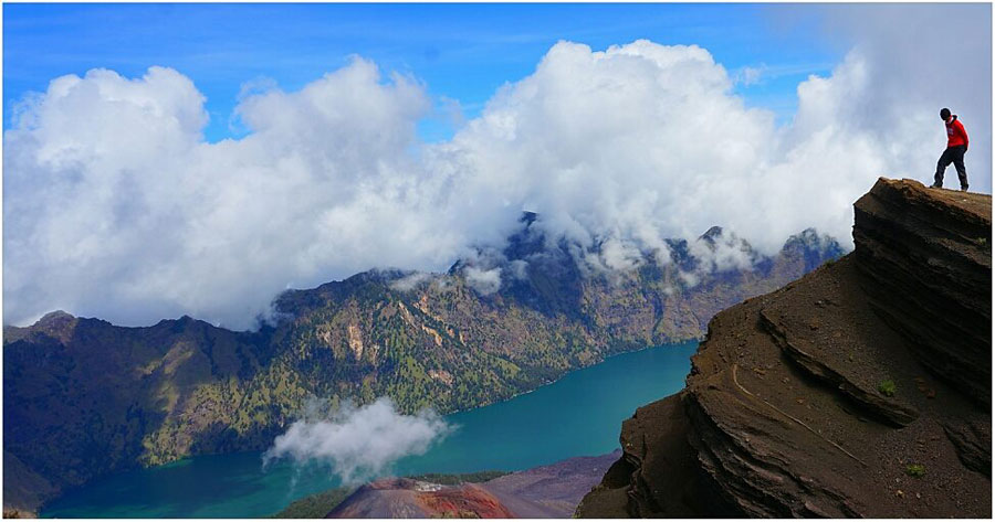 Trekking Mt Rinjani package 4 days 3 nights via Senaru
