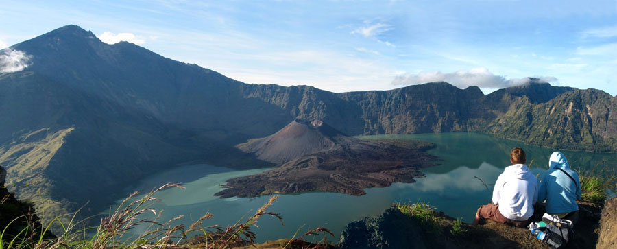 Trekking Mt Rinjani package 3 days 2 nights via Senaru