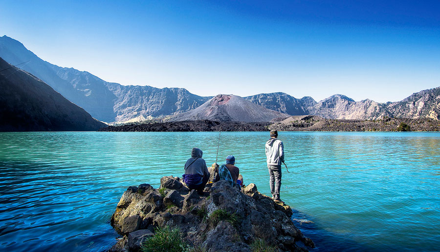 Trekking Mt Rinjani package 4 days 3 nights via Sembalun