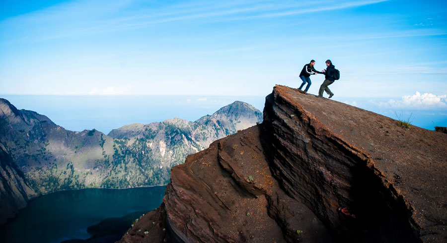 Trekking Mt Rinjani package 3 days 2 nights via Sembalun