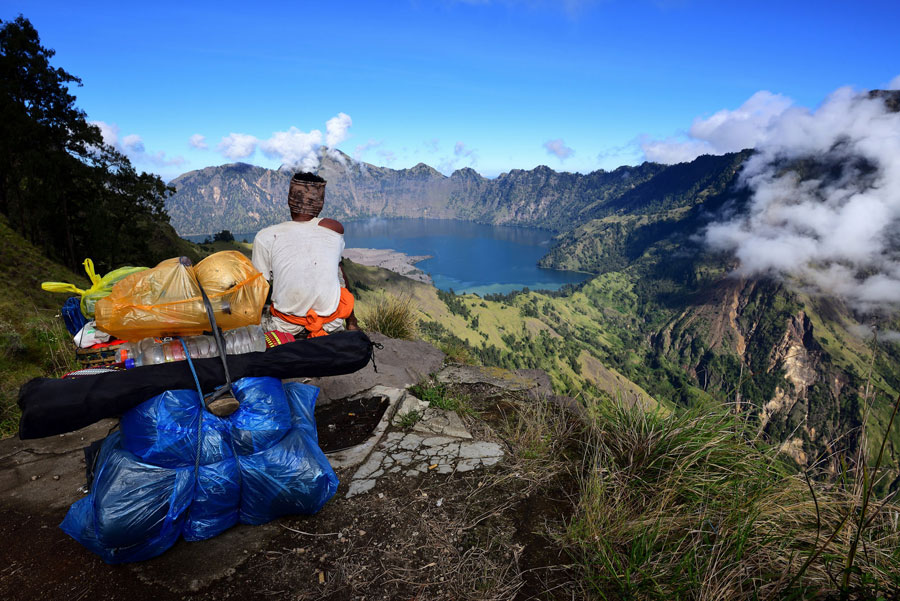 Your porter mount Rinjani